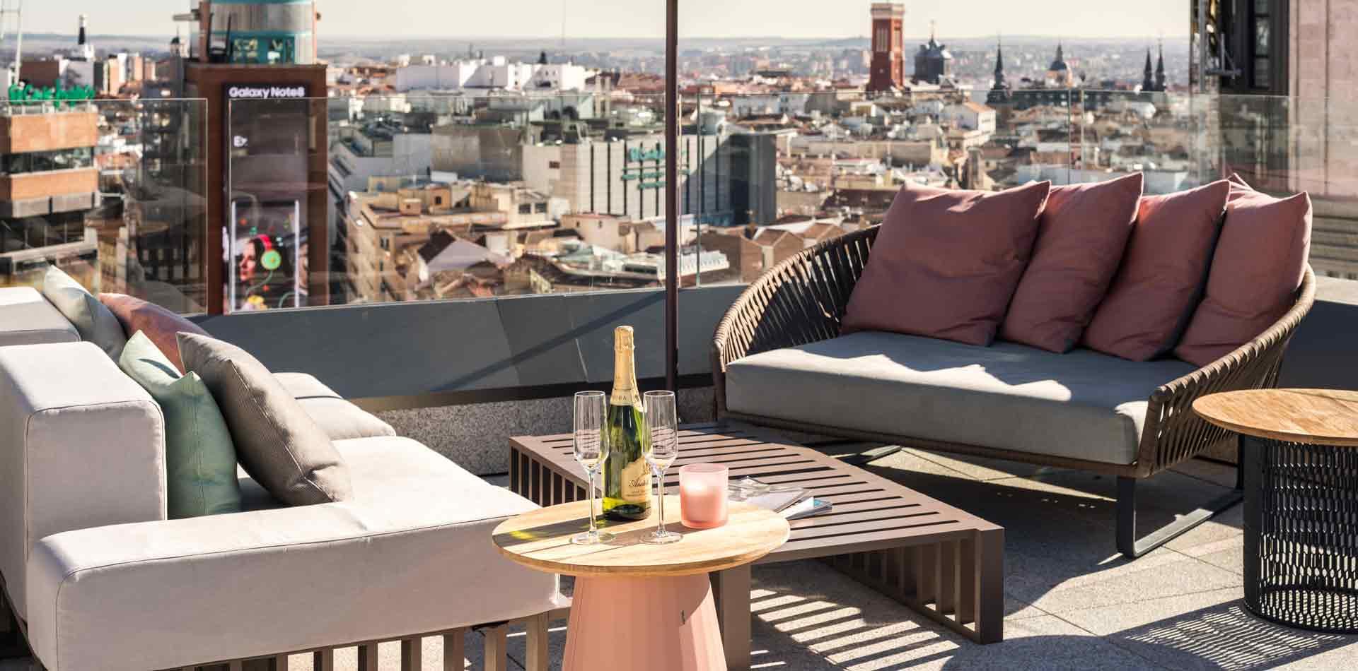 terraza-apartamentos-madrid-gran-via-capital